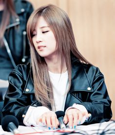 CAN WE PLEASE JUST APPRECIATE HOW AMAZING CHORONG LOOKS?? (And I'm a girl)
