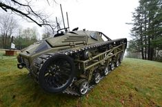 """From its first vehicle, the now famous """"Ripsaw,"""" Howe and Howe Technologies not only caught the eye of the Defense industry, it forced them to change course entirely. By creating the first full. Snow Vehicles, Army Vehicles, Armored Vehicles, Military Robot, Sand Rail, Terrain Vehicle, Expedition Vehicle, Futuristic Cars, Chenille"""