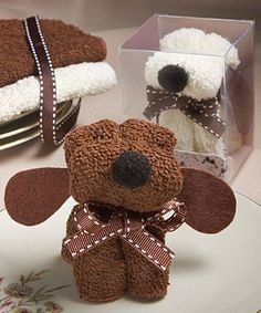 Puppy Dog Towel Favor -- These would be SO cute for baby shower favors! Baby Crafts, Fun Crafts, Diy And Crafts, Crafts For Kids, Baby Shower Favors, Baby Shower Gifts, Bridal Shower, Craft Gifts, Diy Gifts