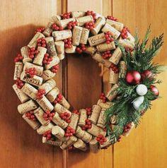 20 Brilliant DIY Wine Cork Craft Projects for Christmas Decoration Wine Cork Wreath, Wine Cork Art, Wine Corks, Christmas Door Decorations, Christmas Wreaths, Christmas Crafts, Christmas Tree, Wine Craft, Wine Cork Crafts