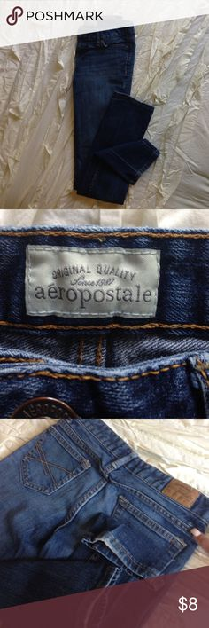 Aeropostale, skinny jeans, size 0 In good condition, 1 flaw, small hole (see picture). Doesn't affect function. Normal signs of wear, noting slight distress on bottom of leg cuff. (See picture) otherwise great condition. Zipper and button works great. Love these jeans! They are made to last! Non smoking home and no pets. Make offers, let's make a deal. Will bundle for shipping if you buy other items. Aeropostale Jeans Skinny