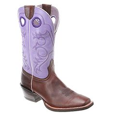 Do whatever you must to get caught in the Crossfire pull-on boot from Ariat, a stunner that combines classic Western-boot design with contemporary touches