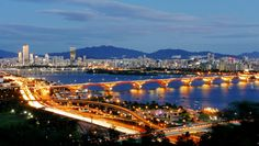 Seoul Skyline. Image © Flickr CC user travel oriented. Gallery - The Top 10 Most Impactful Skylines - 12