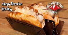 """Darf ich vorstellen: Der """"sloppy Bavarian""""! Ein HotDog mit gegrillter Weißwurst, Kartoffelpürree, Sauerkraut und leckerer Bratensoße!"""