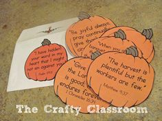 Thanksgiving Bible Verse Pumpkins.  Free Printables from BibleStoryPrintables.com