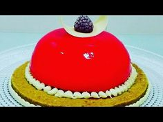 Glazura efect oglinda rosie fara glucoza - YouTube Baking Basics, Fondant, Cake Decorating, Food And Drink, Candy, Cookies, Desserts, Macarons, Cook
