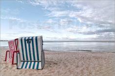 Poster Einsame Strandkörbe am Traumstrand