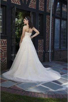 Glamouröse trägerlose A-linie Hochzeitskleider aus Organza mit Perlenstickerei
