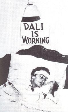 Salvador Dali - Descubre/Discover + en/in: http://www.actuallynotes.com/Actually%20Notes%20Biografia%20Salvador%20Dali.htm