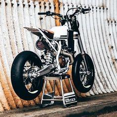 Yamaha 250, Honda Scrambler, Honda 750, Scrambler Motorcycle, Tracker Motorcycle, Moto Bike, Motorcycle Design, Bike Design, Retro Bikes