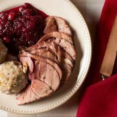 Looking for the best venison roast recipe for your meat? Check out our roundup of the top five venison roast recipes we& found around the web. Venison Deer, Venison Roast, Deer Meat, Deer Food, Venison Recipes, Roast Recipes, Cooking Recipes, Sausage Recipes, Cooking Games