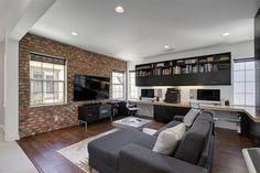 Eine Mauer ist eine industrielle Funktion, die sieht gut aus in Familienzimmer, unabhängig davon, wenn Sie kleine Kinder oder ältere Kinder haben.
