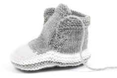 Knitting for young fans: baby sneakers Baby Dress Patterns Baby fans Knitting Sneakers young Baby Knitting Patterns, Baby Dress Patterns, Knitting Blogs, Free Knitting, Crochet Patterns, Baby Girl Shoes, Baby Girl Dresses, Girls Shoes, Girls Knitted Dress