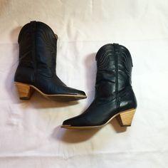 Vintage 80s Dingo Western Boots 7.5 by IveGoneModVintage on Etsy $42