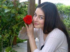 Ayça Ayşin Turan Vanellope Y Ralph, Cigar Men, Western Girl, Turkish Beauty, Turkish Actors, Celebs, Celebrities, Beautiful Actresses, Girl Pictures