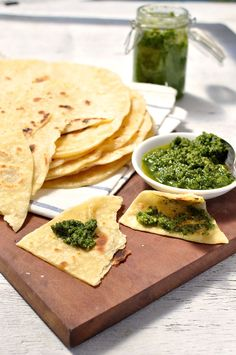 Soft pliable flatbread recipe which requires no yeast and hardly any kneading. Can be made ahead. #flatbread #flat_bread #easy #fast #no_yeast #wrap