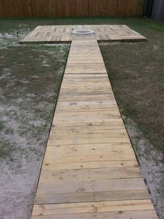Wood Pallet Deck Ideas | ... Built almost entirely from recycled pallet wood. Roughly 85 pallets