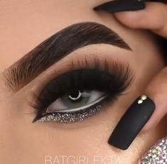 White Eye Makeup, Smoke Eye Makeup, Eye Makeup Art, Dark Makeup, Eyeshadow Makeup, Glam Makeup, Evening Eye Makeup, Maquillage Black, Makeup Tutorial Eyeliner