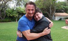 Ator de Colegas realiza sonho de conhecer o astro americano Sean Penn - Notícias - Cinema10.com.br