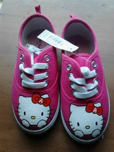 D.i.y birthday gift for little girl handpainted hello kitty shoes my boyfriend made for my little cousins. The shoes are from walmart only $8