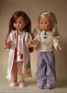 Nancy ¿pijama o camisón?                                                                                                                                                                                 Más