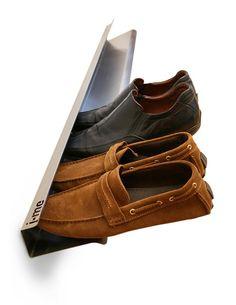 """Schwebende Schuhe mit """"Horizontal"""""""