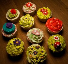 These cupcakes make me think of spring! jenscupcakes  by BennK2010 on Flickr