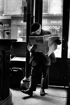 onlyoldphotography:  Peter Turnley: Café Lacour, rue St. Paul, Paris, 1976.