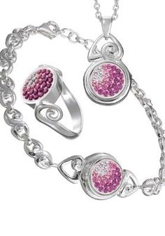 I'm in love with Kameleon Jewelry and this is certainly on my wishlist.
