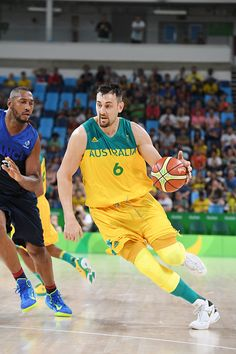 #RIO2016 Best of Day 1 - Andrew Bogut of Australia handles the ball against France on Day 1 of the Rio 2016 Olympic Games at Carioca Arena 1 on August 6 2016 in Rio de...