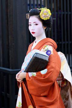 November-Ginkgo Kanzashi