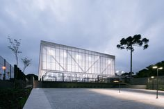 Image 1 of 35 from gallery of New Padel Pavilion / Saboia+Ruiz Arquitetos. Photograph by Alexandre Kenji Okabaiasse