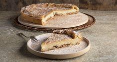 Γαλατόπιτα Μάνης από τον Άκη Πετρετζίκη. Φτιάξτε την πιο νόστιμη πίτα με τραγανό σπιτικό φύλλο, καρύδια και βελούδινη γέμιση με φρέσκο γάλα! Greek Recipes, Raw Food Recipes, Nutrition Chart, Phyllo Dough, Processed Sugar, Good Fats, Easy Meals, Pie, Homemade