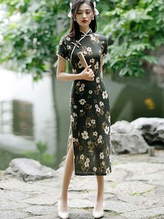 Shop Black Floral Linen Cheongsam Qipao Dress at imallure.com. A wide collection of high quality qipao & cheongsam in various style. New arrivals daily. FREE INTERNATIONAL SHIPPING.