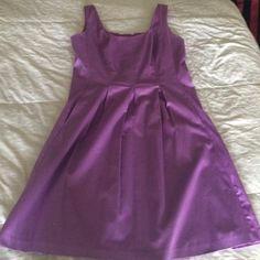 Nine West Orchid Sun Dress Only worn twice! Beautiful A-line cotton dress with pockets! Make an offer! I'm willing to trade. Nine West Dresses