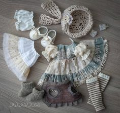Ideas For Crochet Doll Clothes Blythe Crochet Doll Clothes, Sewing Dolls, Knitted Dolls, Moda Barbie, Vestidos Nancy, Doll Dress Patterns, Doll Costume, Waldorf Dolls, Doll Shoes