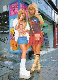 Gyaru Fashion, 2000s Fashion, Harajuku Fashion, Tokyo Street Fashion, Japan Fashion, Grunge Style, Soft Grunge, Harajuku Mode, Harajuku Girls