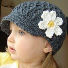 crochet baby hat w daisy