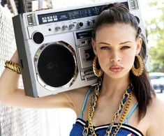 boombox-earrings-fashion-girl-gold-make-up-Favim.com-96910.jpg (500×415)