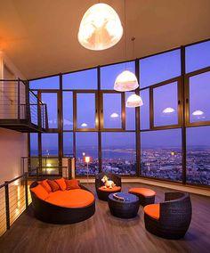 21 Fantastic spaces showcasing astonishing city skyline views