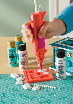 New and improved version! You can use the Mod Melter as an all-purpose glue gun to make everything from molded embellishments to home décor, paper crafts, and more! Glue Gun Crafts, Mod Podge Crafts, Resin Crafts, Mod Podge Photo Transfer, Mod Podge Dimensional Magic, Decoupage Glue, Decoupage Ideas, Mod Melts, New Mods