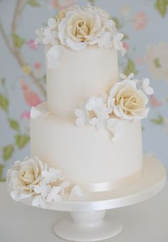 Found on WeddingMeYou.com - Elegant White Wedding Cake Ideas
