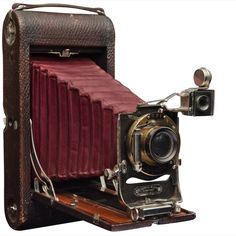 Circa 1920. Kodak accordian folding camera