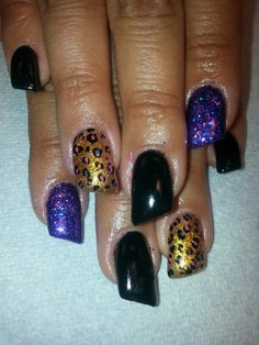 Acrylic nails by Yvonne Douglas Rodgers @ 810-687-7411 Must request me to be placed with me ♡