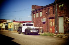 Get my 7 FREE basic photography tips - you NEED to know right here; http://pw5383.wixsite.com/free-photo-tips   Photographer Pernille Westh   Street View, Memphis, Tennessee