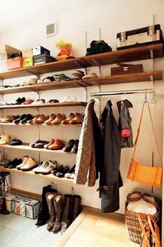Home Decor Designs – Home Decor Designs For Ideas Interior Exterior, Home Interior Design, Boutique Decor, Corner House, Diy Wall Shelves, House Entrance, Hallway Decorating, Shoe Closet, Small Places