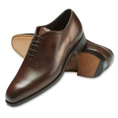 Wholecut shoes have a very sophisticated look.