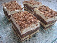 Dno hlubšího plechu vyložíme světlými sušenkami.Z mléka, pudinků a cukru uvaříme hustý pudink a ještě horký ho rozetřeme rovnoměrně na sušenky.... Krispie Treats, Rice Krispies, No Bake Cake, Tiramisu, Ham, Sweets, Baking, Ethnic Recipes, Desserts