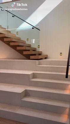 Ever see a shark aquarium in a house? - New Ideas Staircase Design Modern, Luxury Staircase, Home Stairs Design, Home Building Design, Modern House Design, Home Interior Design, Staircase Railing Design, Modern Stair Railing, Concrete Staircase