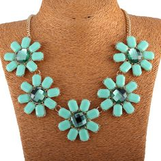 Chic Five Resin Flowers Charm Pendant Women Chokers Jewelry Necklace Four Colors